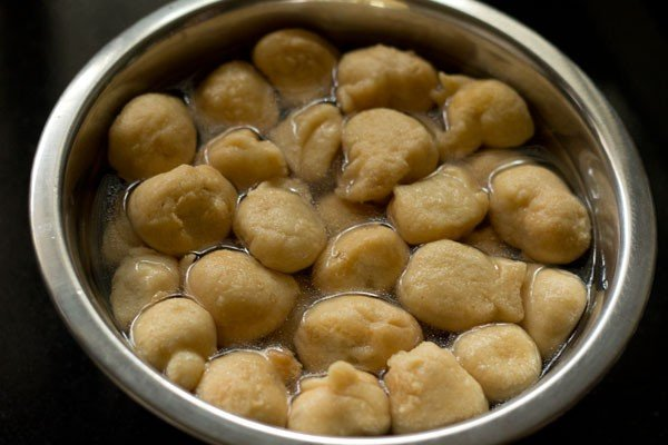 vadas for dahi bhalle recipe