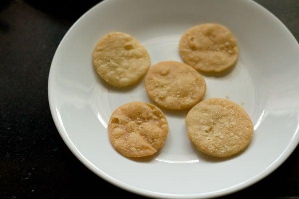 papdi for dahi bhalla recipe