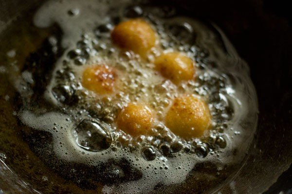 frying dry gulab jamuns
