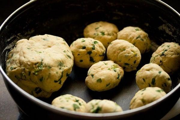 dough for methi puri recipe