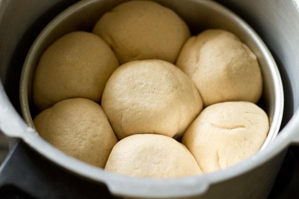 keeping baking pan in pressure cooker