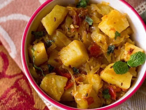 recipe: curried cabbage and potatoes [26]