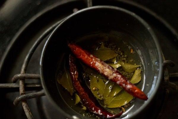 tempering for vendakkai sambar recipe