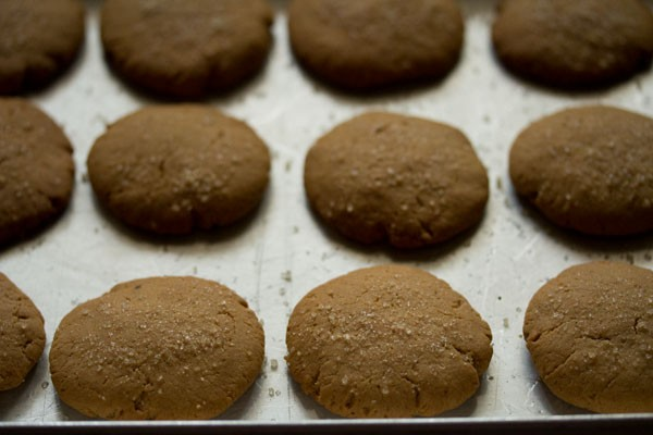 making eggless gingerbread cookies recipe