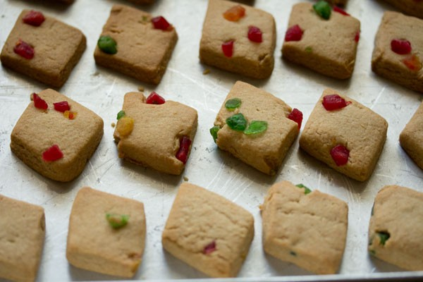 making eggless tutti frutti cookies recipe