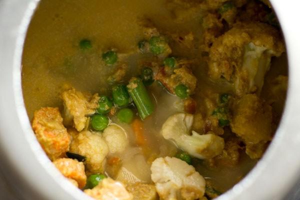 water to make vegetable kurma recipe