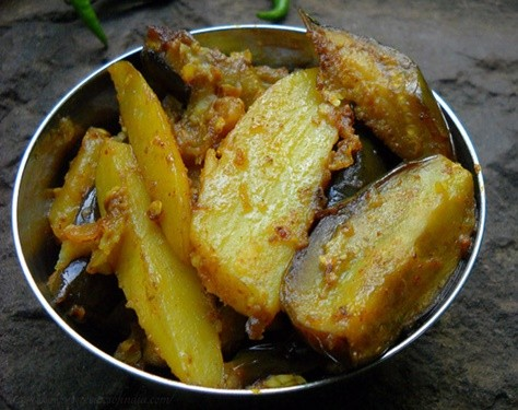 65 potato recipes aloo recipes indian potato curry recipes aloo baingan recipe forumfinder Image collections