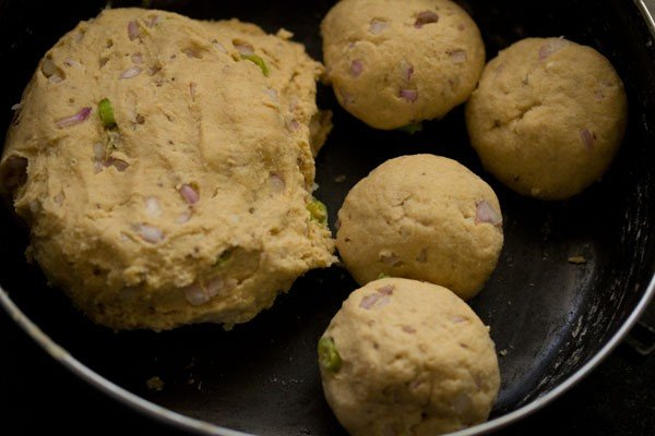 dough for missi roti recipe