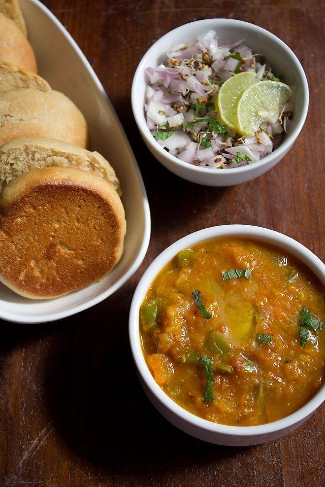 pav bhaji recipe, mumabi pav bhaji recipe in hindi, पाव भाजी रेसिपी