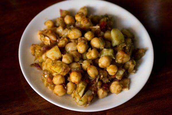 making aloo chana chaat recipe