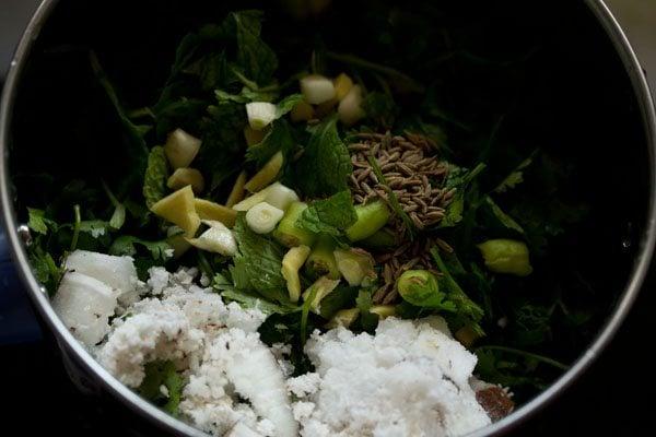 making chutney for chutney pulao recipe