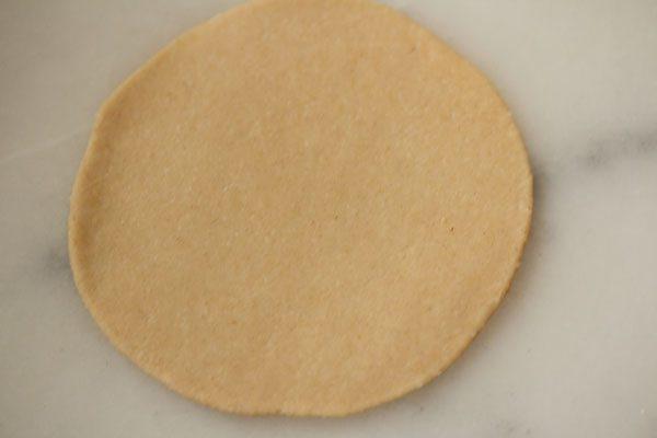 making crisp soft pooris recipe