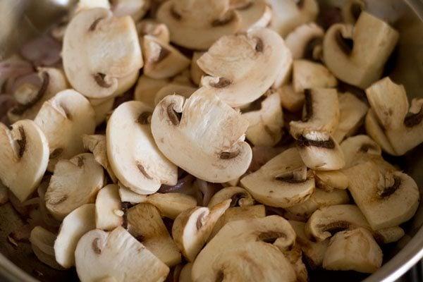 making mushroom stir fry recipe