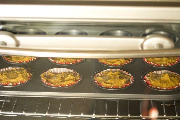 making eggless mango muffins recipe