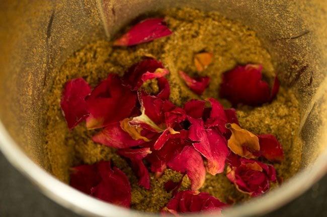 making garam masala recipe