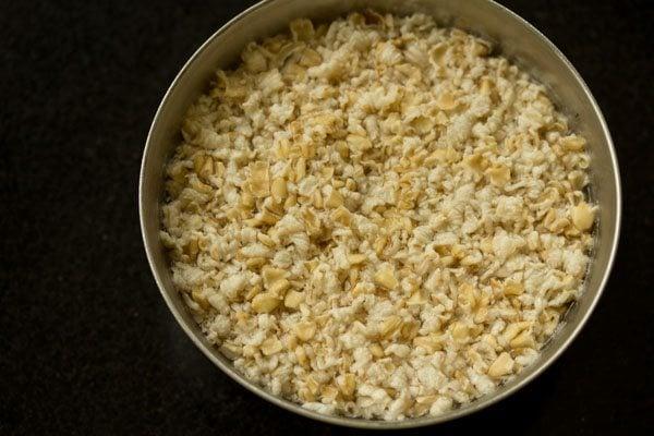 making mango oats smoothie recipe