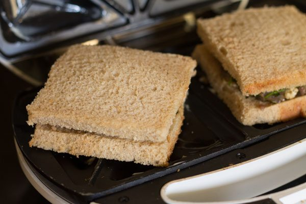 paneer matar toast sandwich recipe