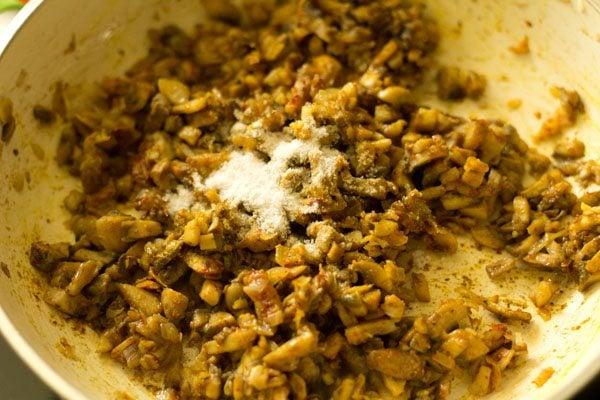 preparing mushroom cutlet recipe