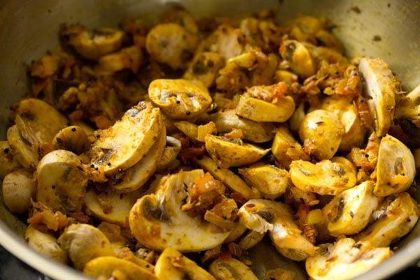 mushroom for making mushroom korma recipe