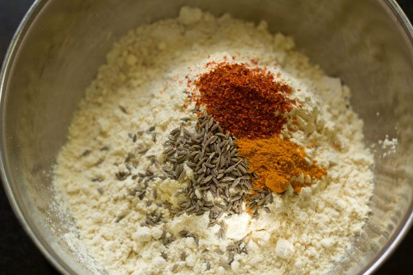 spices for making besan oats cheela recipe