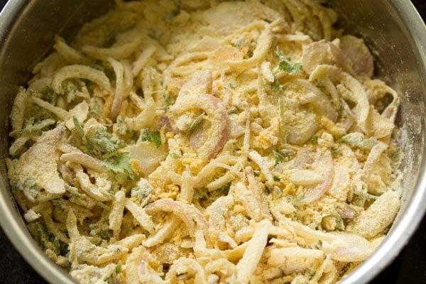 making onion pakoda recipe