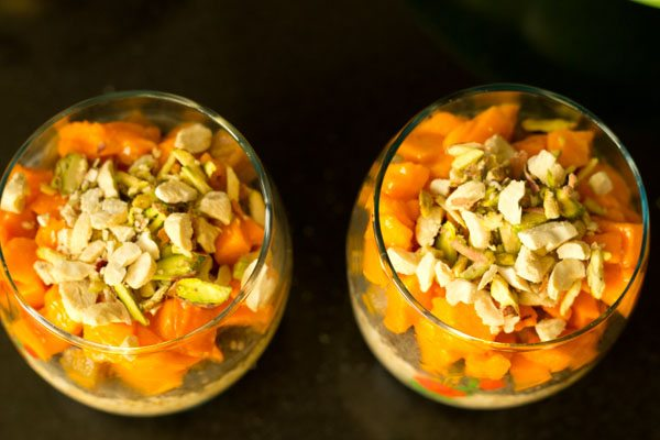 making overnight oats recipe: