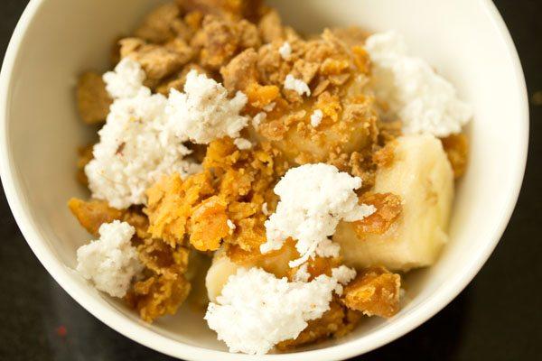 making sweet poha recipe