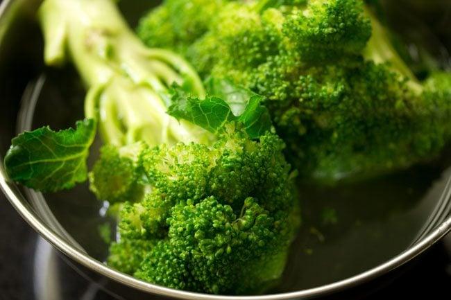 broccoli to make broccoli paratha recipe