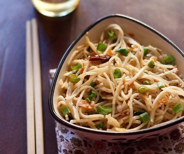 hakka noodles - street food recipes