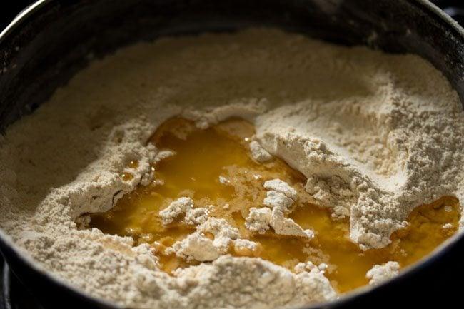 making moong dal laddu recipe