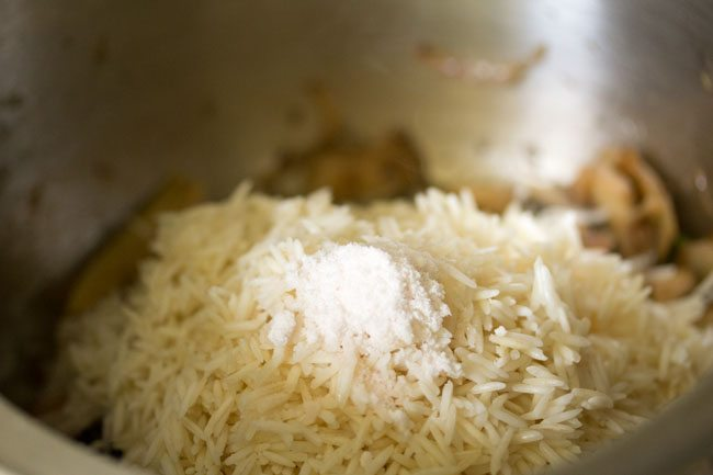 salt to make mushroom pulao recipe