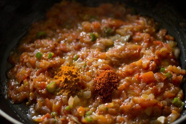 spices to make palak bhurji recipe