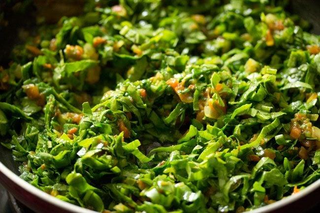 palak to make paneer palak bhurji recipe