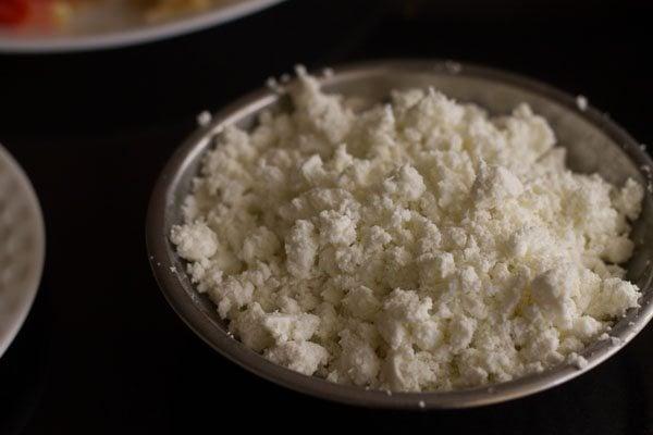 paneer for paneer bhurji sandwich recipe