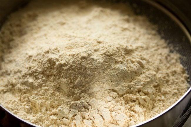 urad dal flour to make urad dal laddu recipe