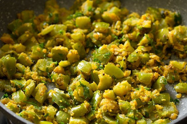capsicum besan bhaji recipe, capsicum besan sabzi recipe