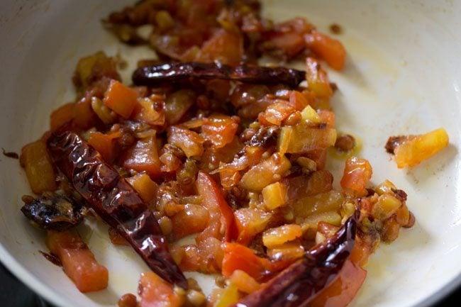 preparing kara chutney recipe