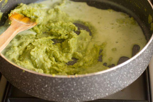 preparing matar ki kheer recipe