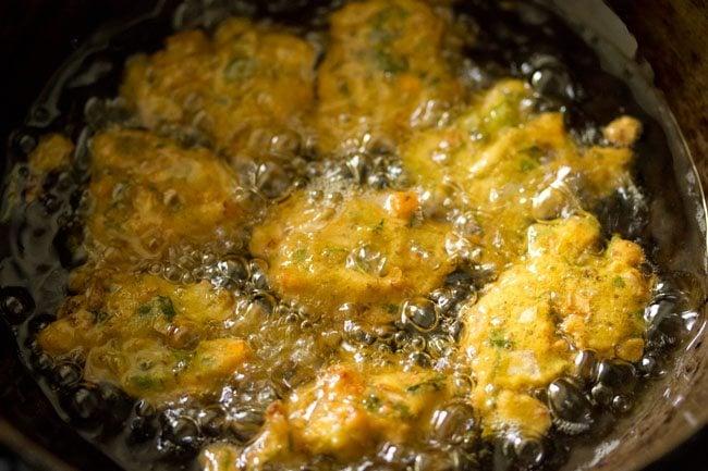 frying pakora - mix vegetable pakora recipe