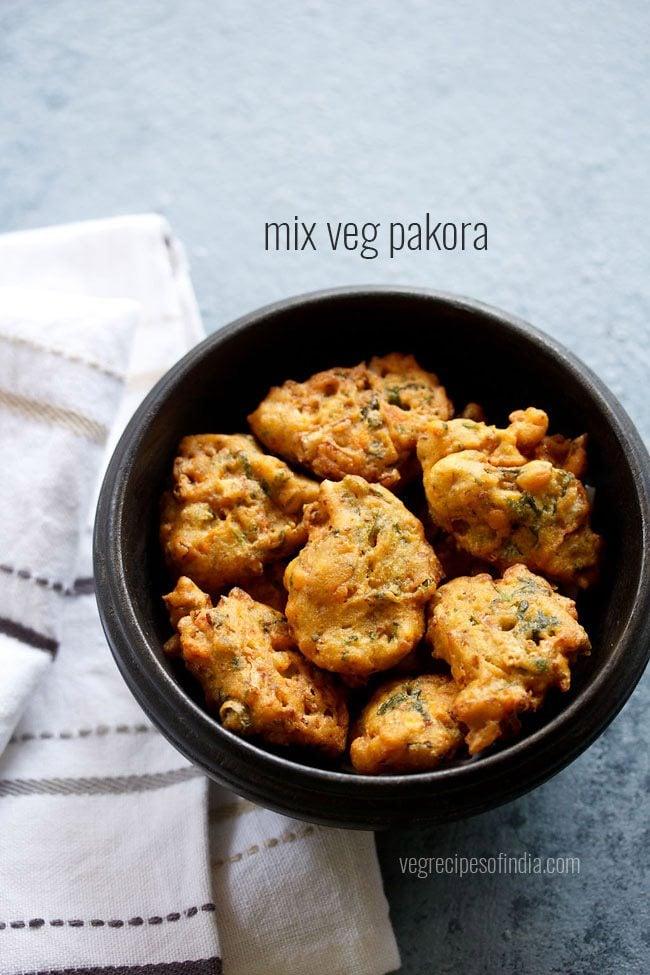 mix veg pakora recipe, how to make mix vegetable pakoda recipe