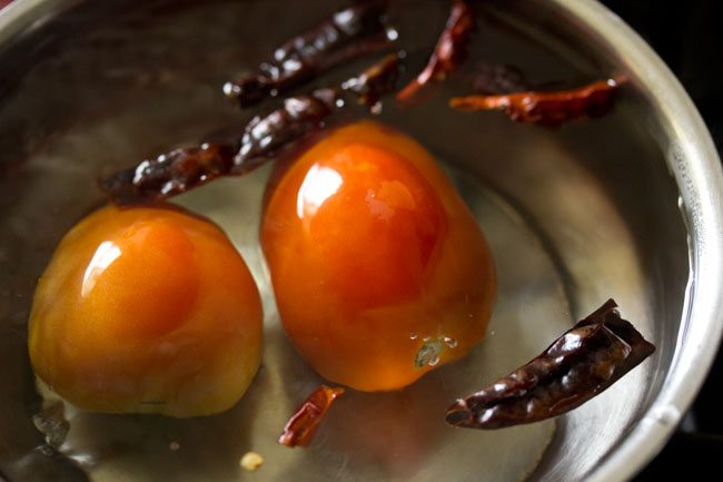 tomatoes for momos chutney recipe
