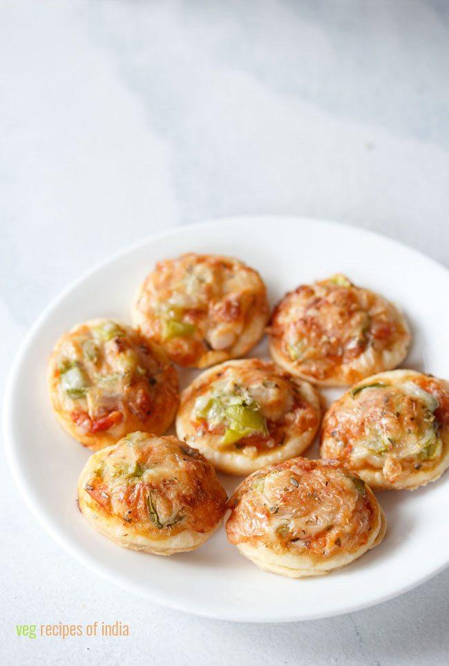 veg pizza puffs