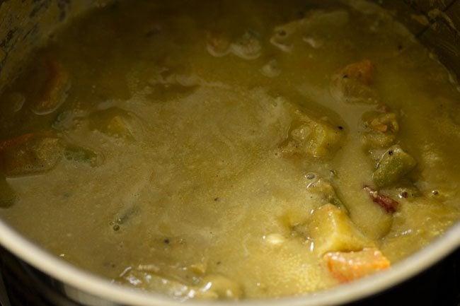 preparing veg saagu recipe