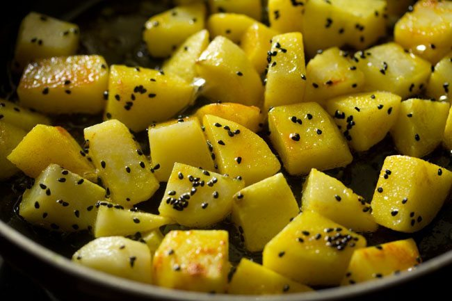 aloo for preparing aloo posto recipe