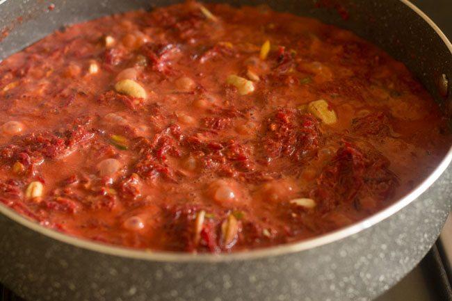 making beetroot halwa recipe