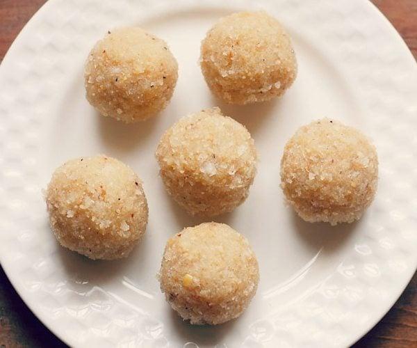 coconut ladoo recipe with khoya