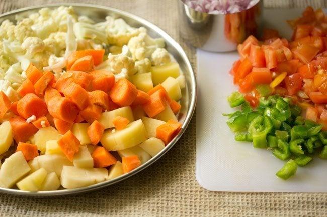 veggies for pav bhaji recipe in pressure cooker