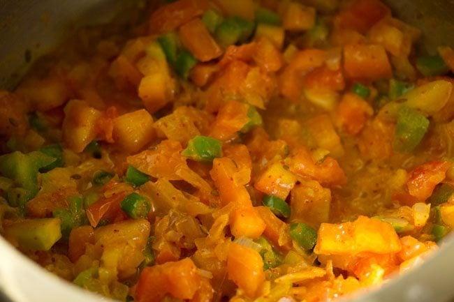 making pav bhaji recipe in pressure cooker