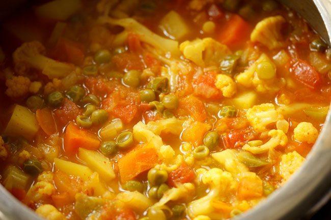 making pav bhaji in pressure cooker recipe