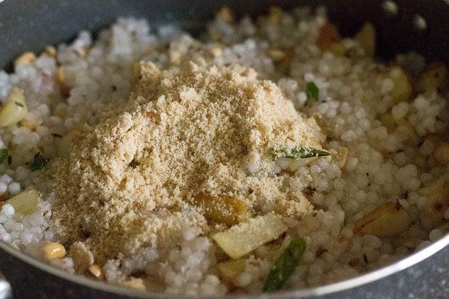 Sabudana Khichdi Recipe, Maharashtrian Style Sabudana